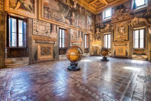Palazzo Sacchetti de 'La Grande Bellezza' in vendita a Roma