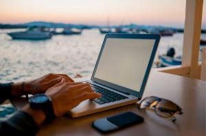 Smart working vista mare e uffici diffusi: le iniziative di Otranto ed altri comuni